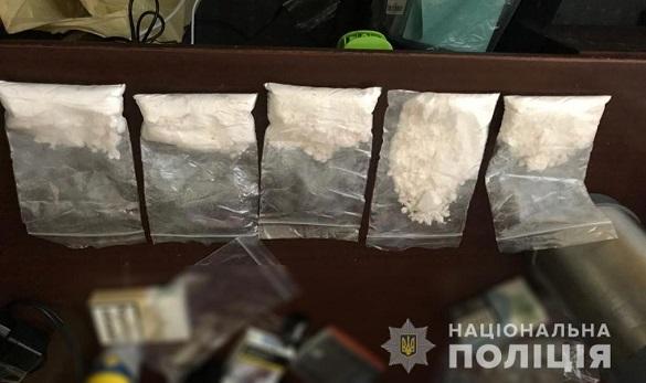 Місцевий житель у Черкасах організував збут кокаїну та амфетаміну (ВІДЕО)