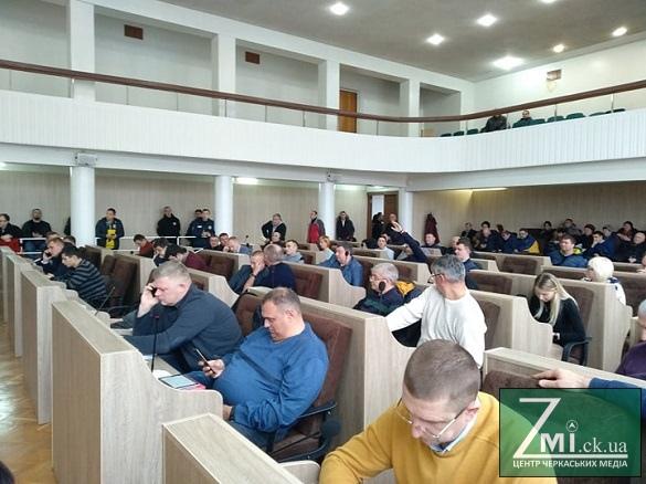 Депутатам Черкас заборонили використовувати освітні заклади для своїх приймалень