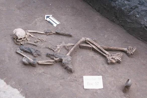 Могильник черняхівської культури був знайдений на місці одного з торгових центрів у Черкасах (ФОТО)