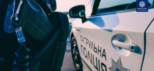 У Черкасах за хуліганство біля лікарні затримали чоловіка