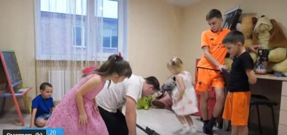 Молода черкаська родина самотужки виховує семеро дітей (ВІДЕО)