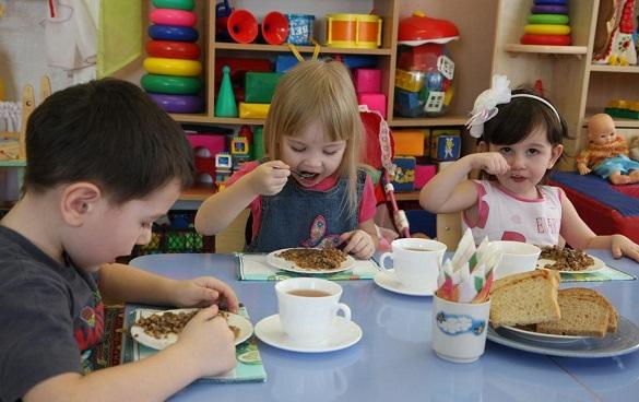 У дитсадках на Черкащині зменшили вартість сплати за харчування дітей