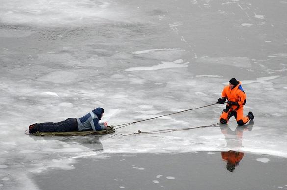 Чоловіка на Черкащині рятували з криги