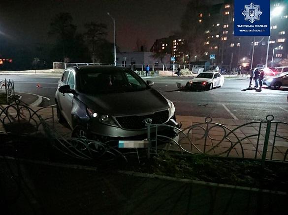 Два автомобіля зіштовхнулися у Черкасах