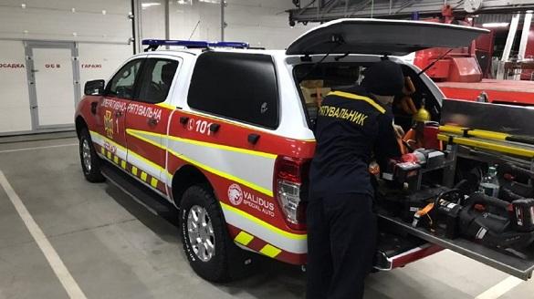 Рятувальникам у Черкасах закупили дві спеціальні аварійно-рятувальні машини (ВІДЕО)