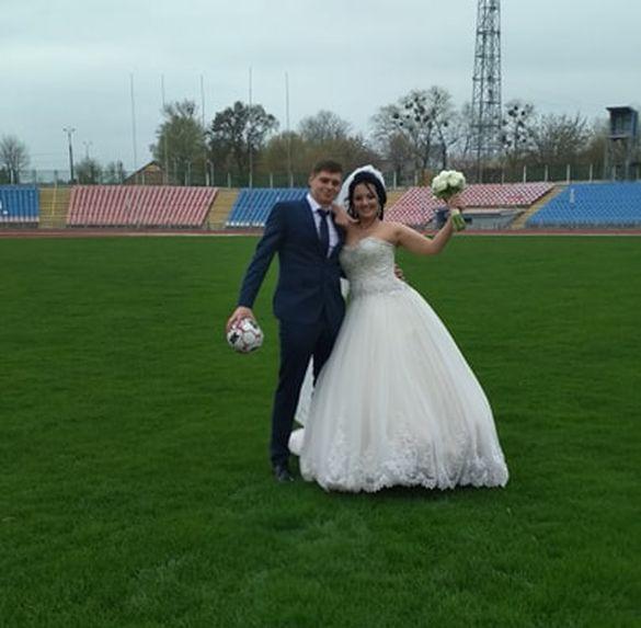 Черкащан запрошують одружитися на стадіоні