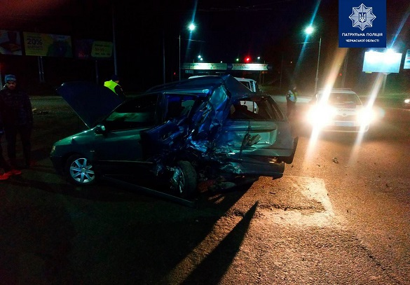 Нетверезий водій у Черкасах спричинив ДТП (ФОТО)