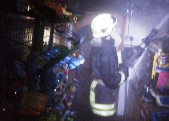 У селі на Черкащині підпалили продуктову крамницю (ФОТО)