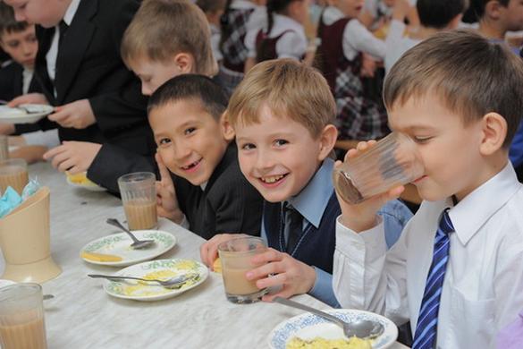 Школярам на Черкащині запровадять програму здорового харчування