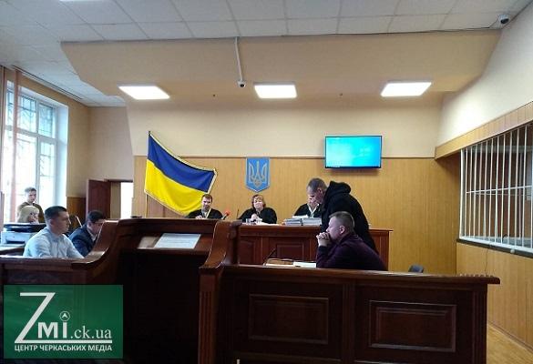 Надали вісім фото: по справі загиблого директора черкаської школи сторона потерпілого заявила про ймовірну зміну обставин ДТП