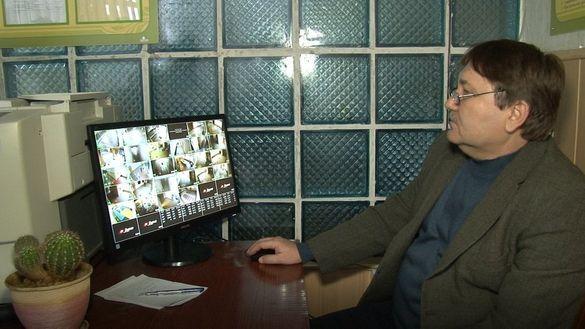У одній з черкаських шкіл показали перші встановлені камери відеонагляду