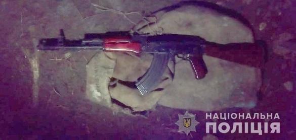 У селі на Черкащині чоловік влаштував стрілянину з автомата (ВІДЕО)