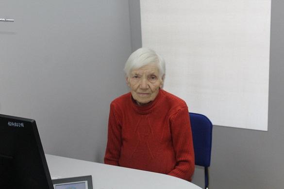 Черкащанка в 91 рік вирішила оформити паспорт для виїзду за кордон (ФОТО)