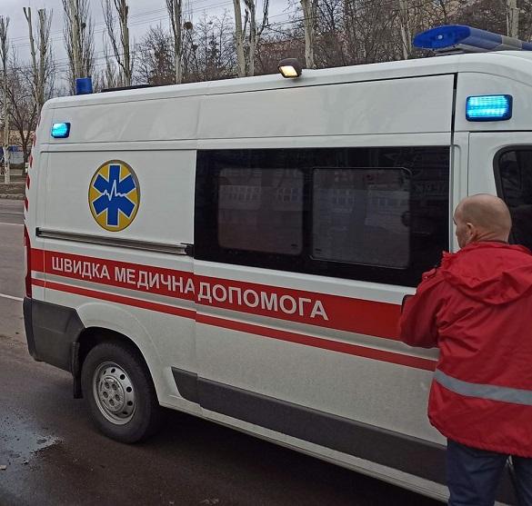 Кондукторка у Черкасах виштовхала медиків з тролейбусу
