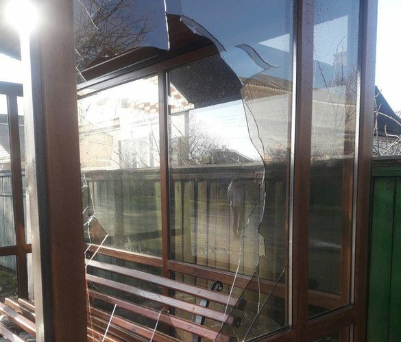 Чоловік з Черкас розгромив новозбудовану зупинку у одній з громад району