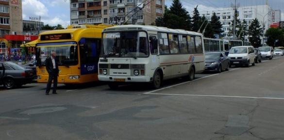 Громадський транспорт Черкас буде повністю зупинено
