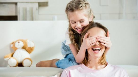 Шукати бобра і смажити млинці: історії черкаських матусь про навчання і виховання дітей на карантині