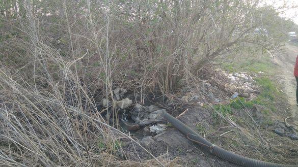 У одній з громад Черкащини затримали порушників, які зливали відходи на земельну ділянку (ФОТО)
