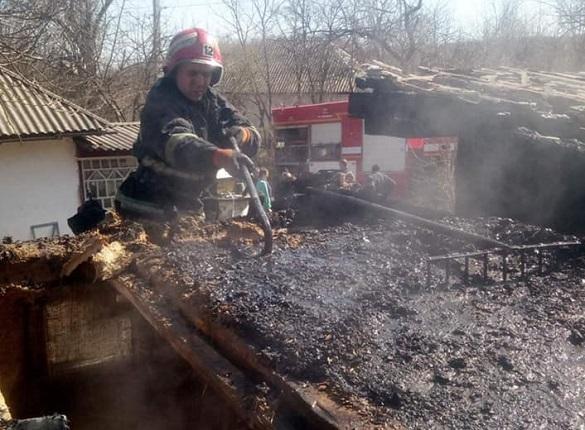 У селі на Черкащині загорілася баня (ФОТО)