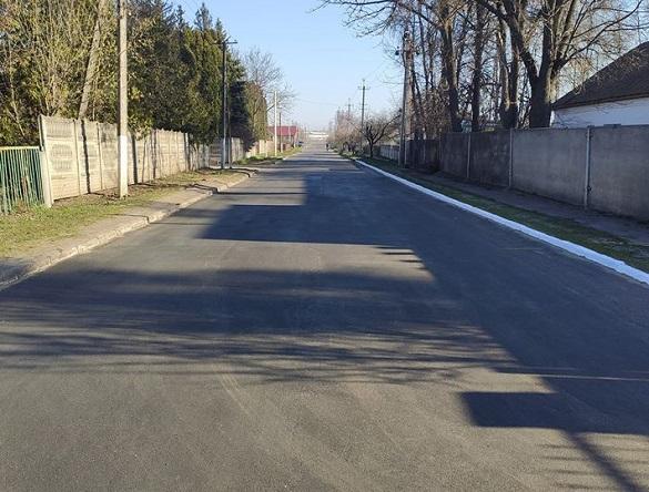 Попри карантин на Черкащині продовжується ремонт доріг (ФОТО)