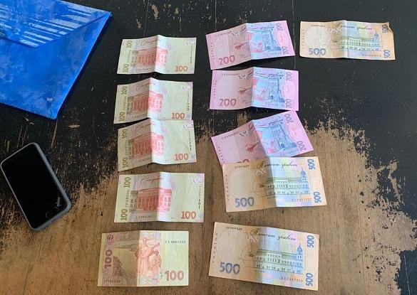 Співробітник Нацполіції у Черкасах погорів на хабарі за закриття справи (ФОТО)