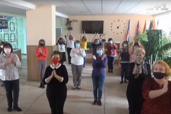 Учителі з Черкаської області виклали в мережу відеоподяку батькам своїх учнів (ВІДЕО)