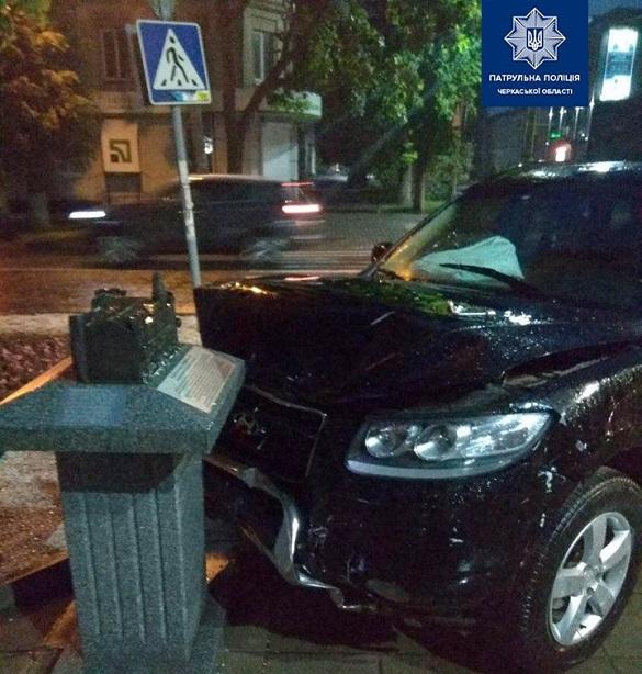 Є постраждалі: на перехресті у Черкасах сталася ДТП (ФОТО)