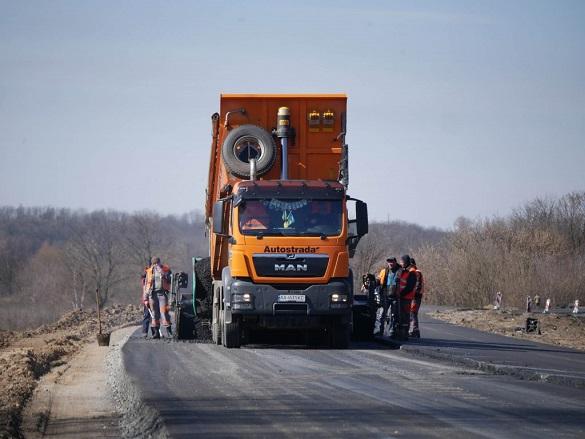 На ремонт доріг у місті Черкаси спрямували 30 мільйонів гривень