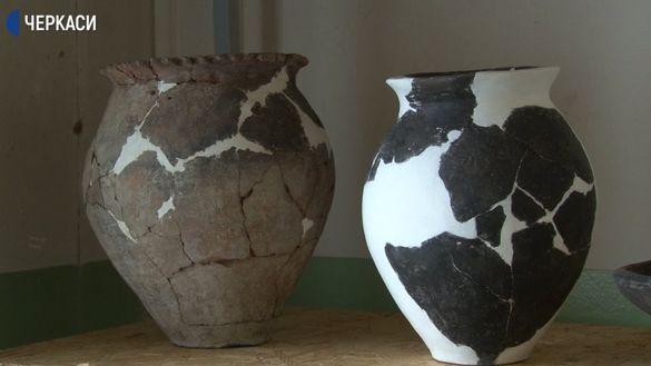 У черкаському музеї реставрували старовинний посуд