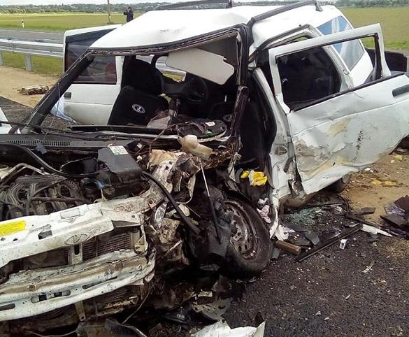 Автокатастрофа на трасі Київ-Одеса: четверо загинули та стільки ж у лікарні (ФОТО)