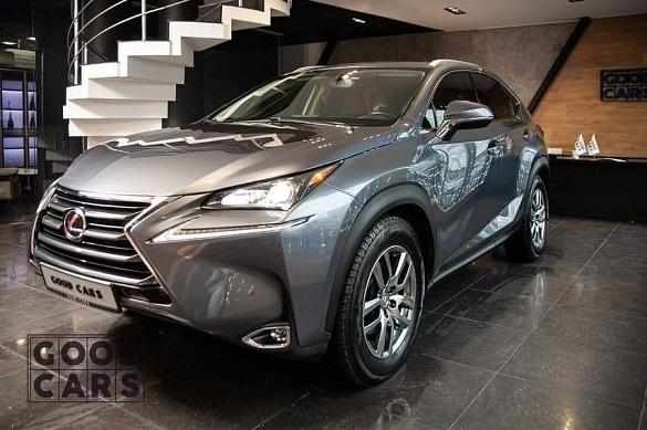 Протягом ночі у Черкасах викрали автомобіль Lexus
