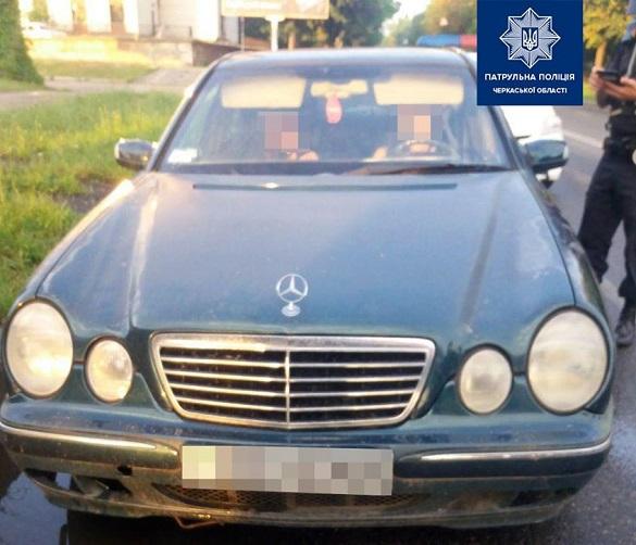 Нетвереза жінка у Черкасах кермувала автівкою без документів (ФОТО)