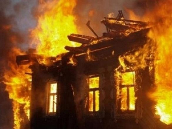 Будинок на Черкащині загорівся через необережність