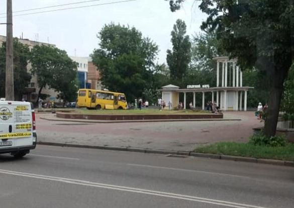 В ДТП у Черкасах зіштовхнулися маршрутка та пожежний автомобіль (ФОТО)