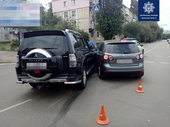 Один з водіїв не надав переваги в русі іншому: у Черкасах сталася ДТП (ФОТО)