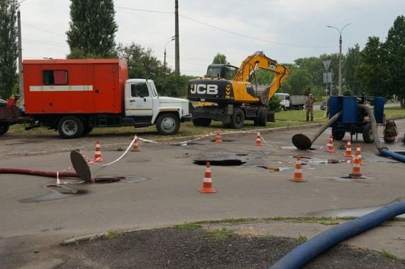 Ще одне провалля колектора сталося у Черкасах (ФОТО)