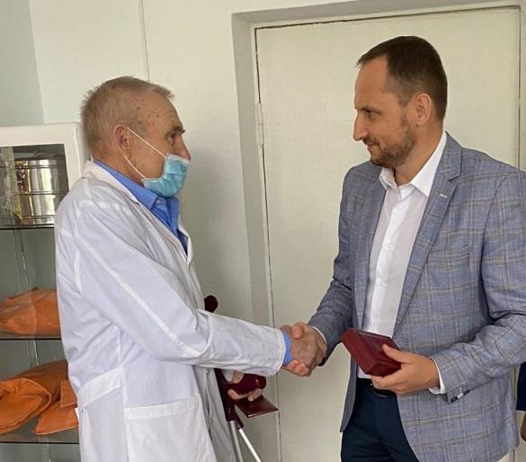 Лікаря на Черкащині нагородили орденом Президента України (ФОТО)