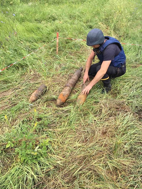 На Черкащині сапери знищили три снаряди часів війни