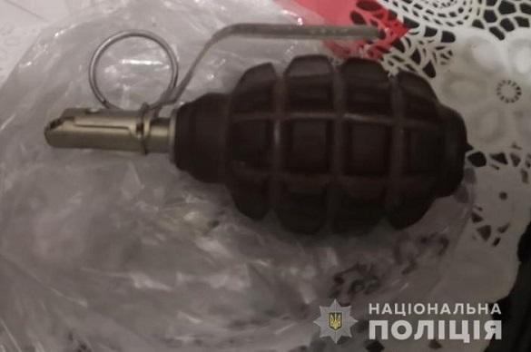 У чоловіка на Черкащині знайшли гранату з запалом (ФОТО)