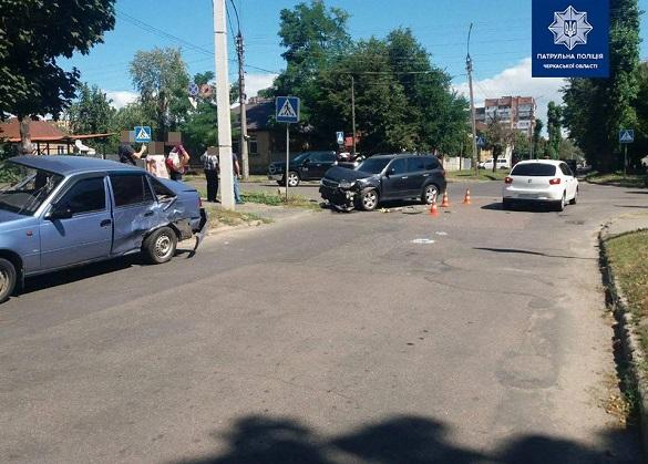 У Черкасах зіштовхнулися три автомобілі (ФОТО)