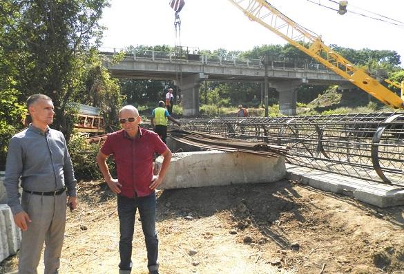 Шляхопровід через залізницю будують на Черкащині (ФОТО)