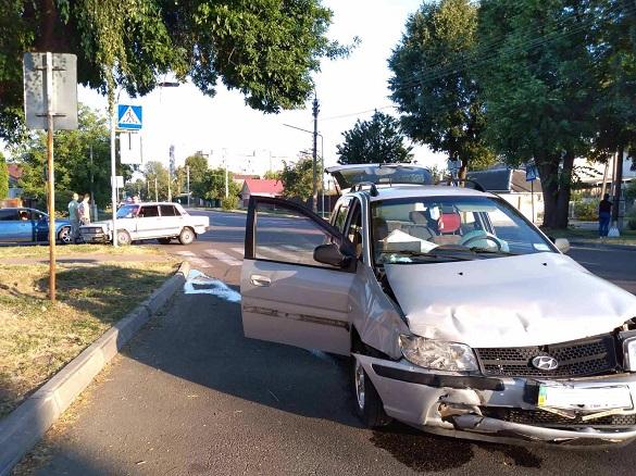 У Черкасах зіштовхнулися дві автівки (ФОТО)