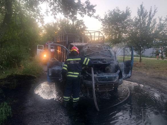 У Черкасах загорівся автомобіль (ФОТО)