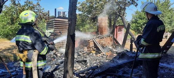 На Черкащині загорілася надвірна споруда (ФОТО)