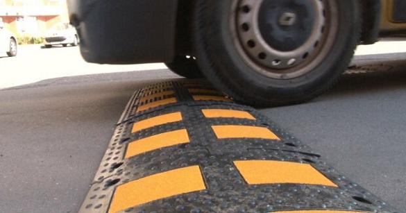 На двох вулицях у Черкасах установлять пристрої примусового зниження швидкості