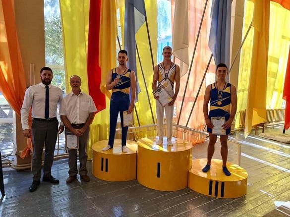 Черкаський гімнаст серед кращих медалістів чемпіонату України