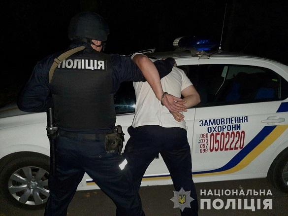 Виніс товар, не заплативши: хлопець пограбував магазин у Черкасах