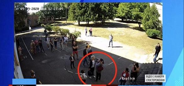 На подвір'ї черкаської школи побилися дві жінки (ВІДЕО)