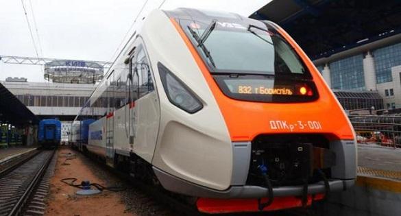 Через технічні невідповідності новий дизельний потяг не курсуватиме через Черкаси