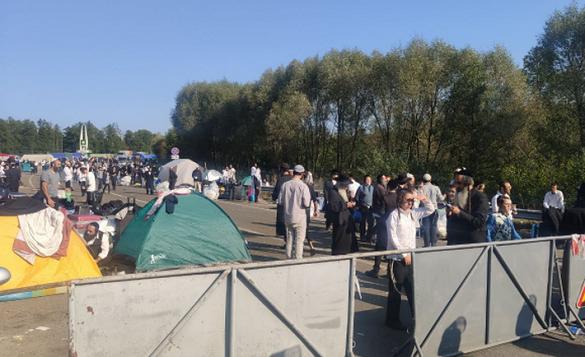 Ізраїль просив пропустити хасидів на кордоні з Білоруссю, але Кабмін пункт пропуску до Умані закрив